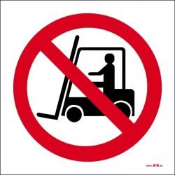 Prohibido a vehículos de manutención