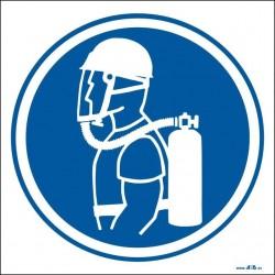 Uso obligatorio de casco y equipo autónomo